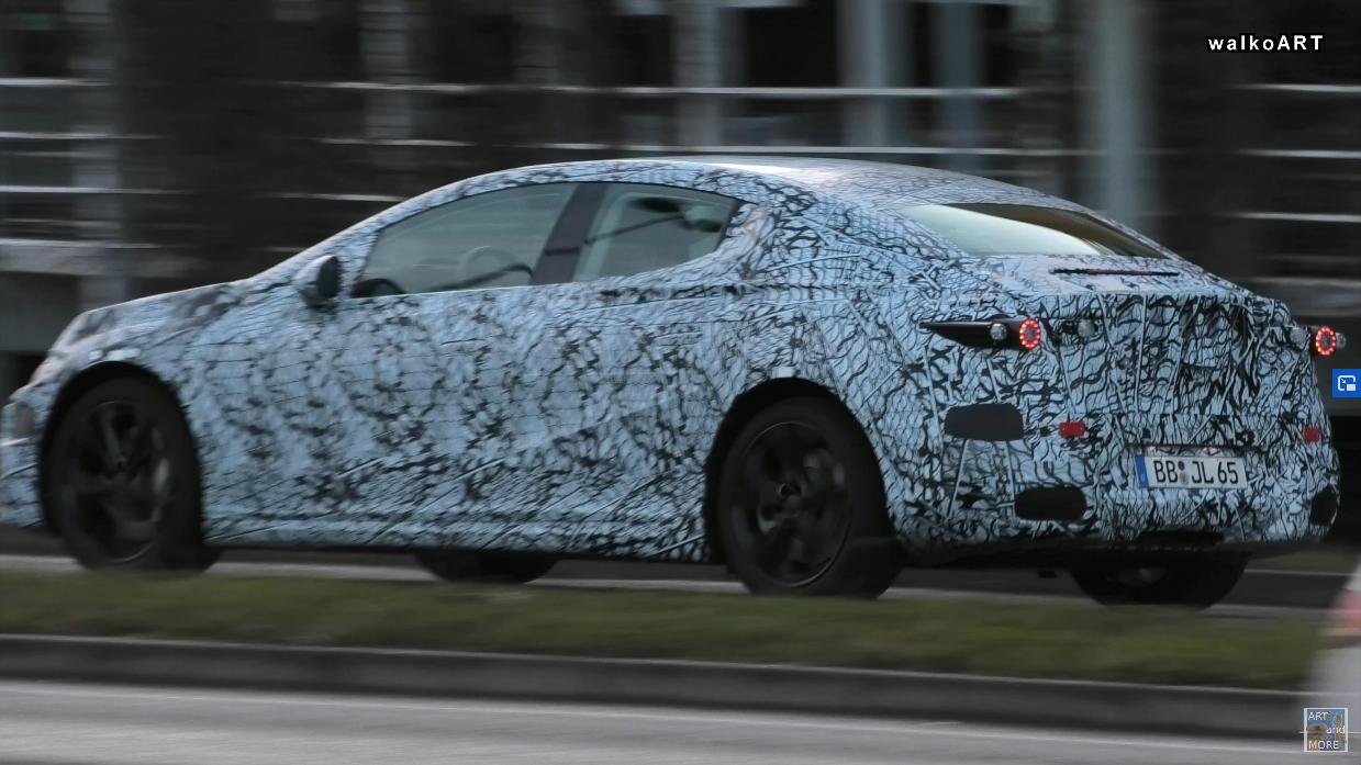 Mercedes EQS 2021 foto spia