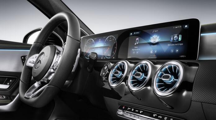 Mercedes marchio premium