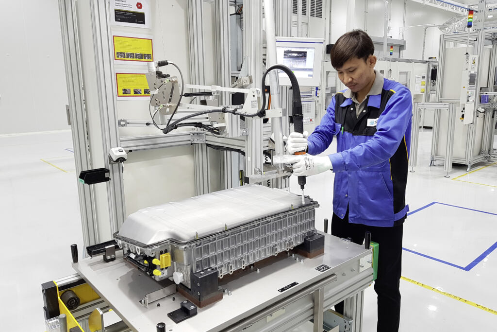 Mercedes stabilimento batterie Bangkok