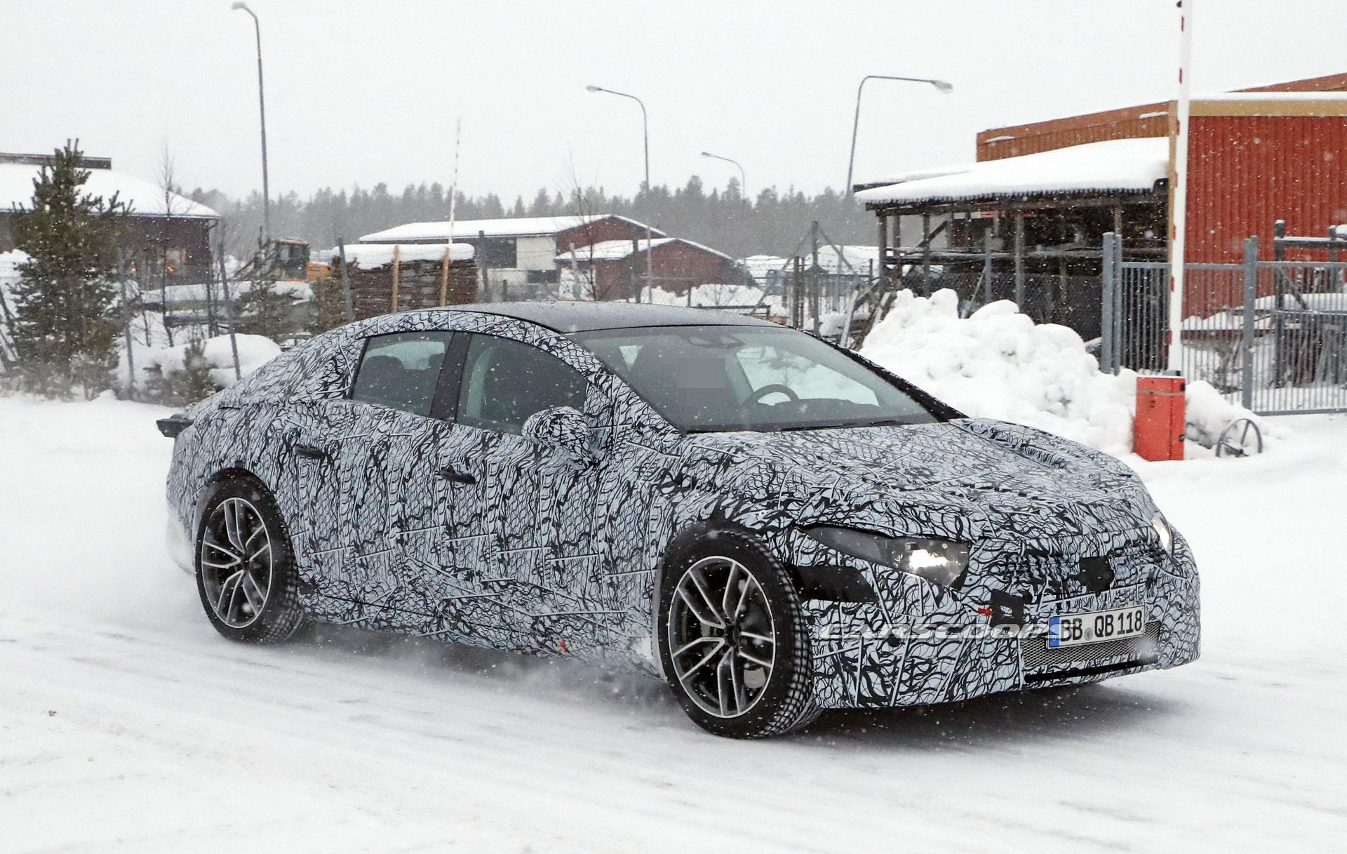 Nuova Mercedes EQS prototipi foto spia