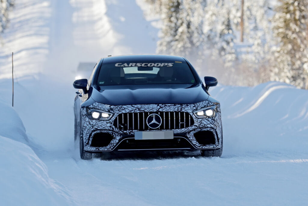 Mercedes-AMG GT 73 foto spia