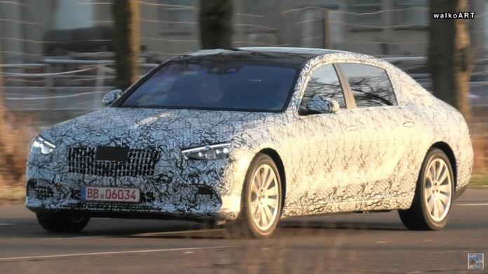 Nuova Mercedes-Maybach Classe S foto spia Germania