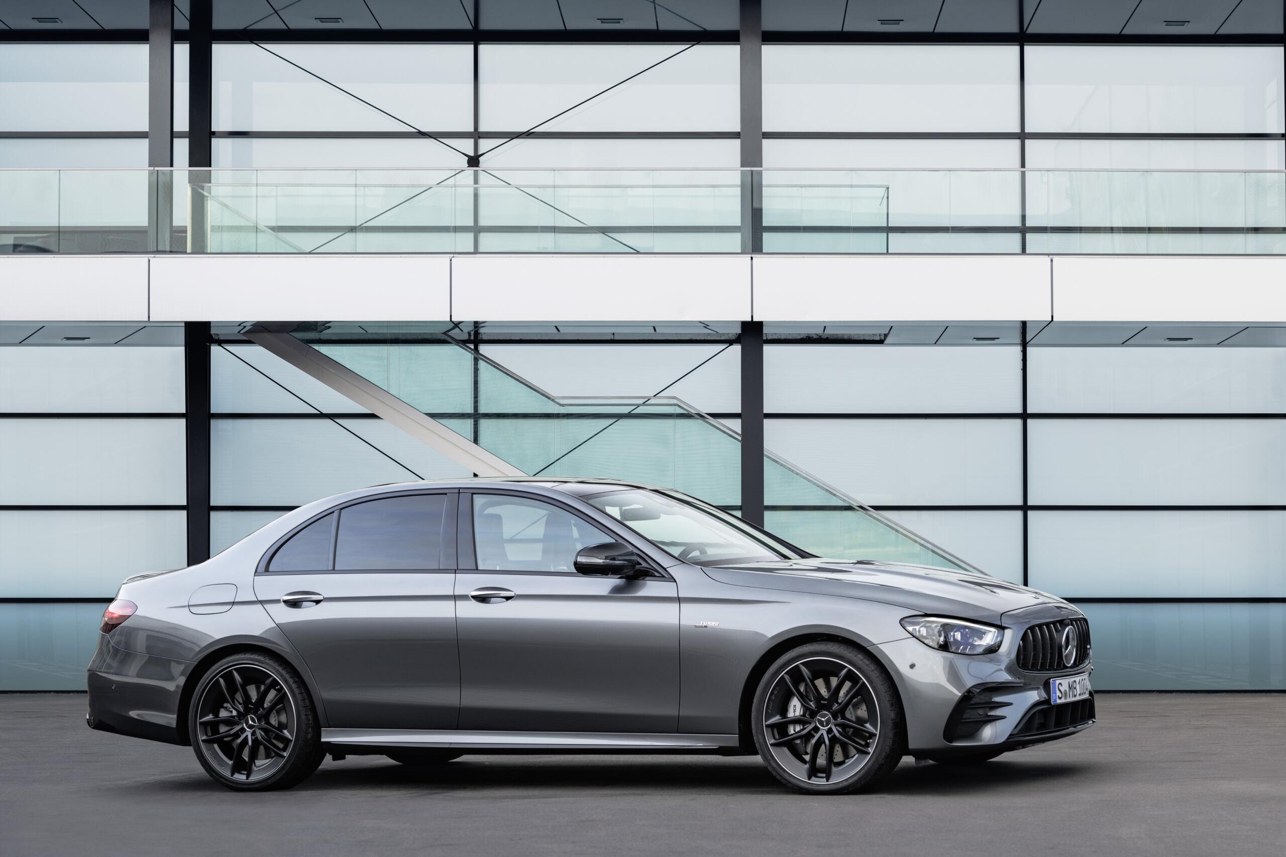 Nuova Mercedes-AMG E 53