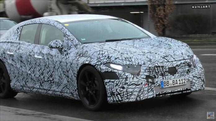 Nuova Mercedes EQS Germania foto spia
