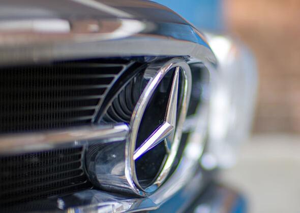 Mercedes-Benz 280 SL Pagoda elettrica Ionic Cars