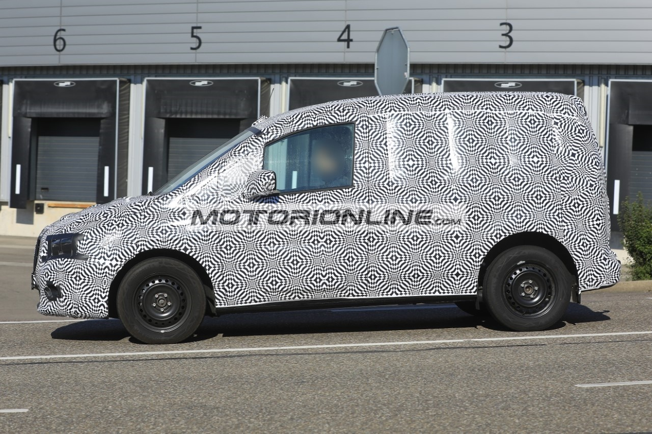 Nuovo Mercedes Citan foto spia