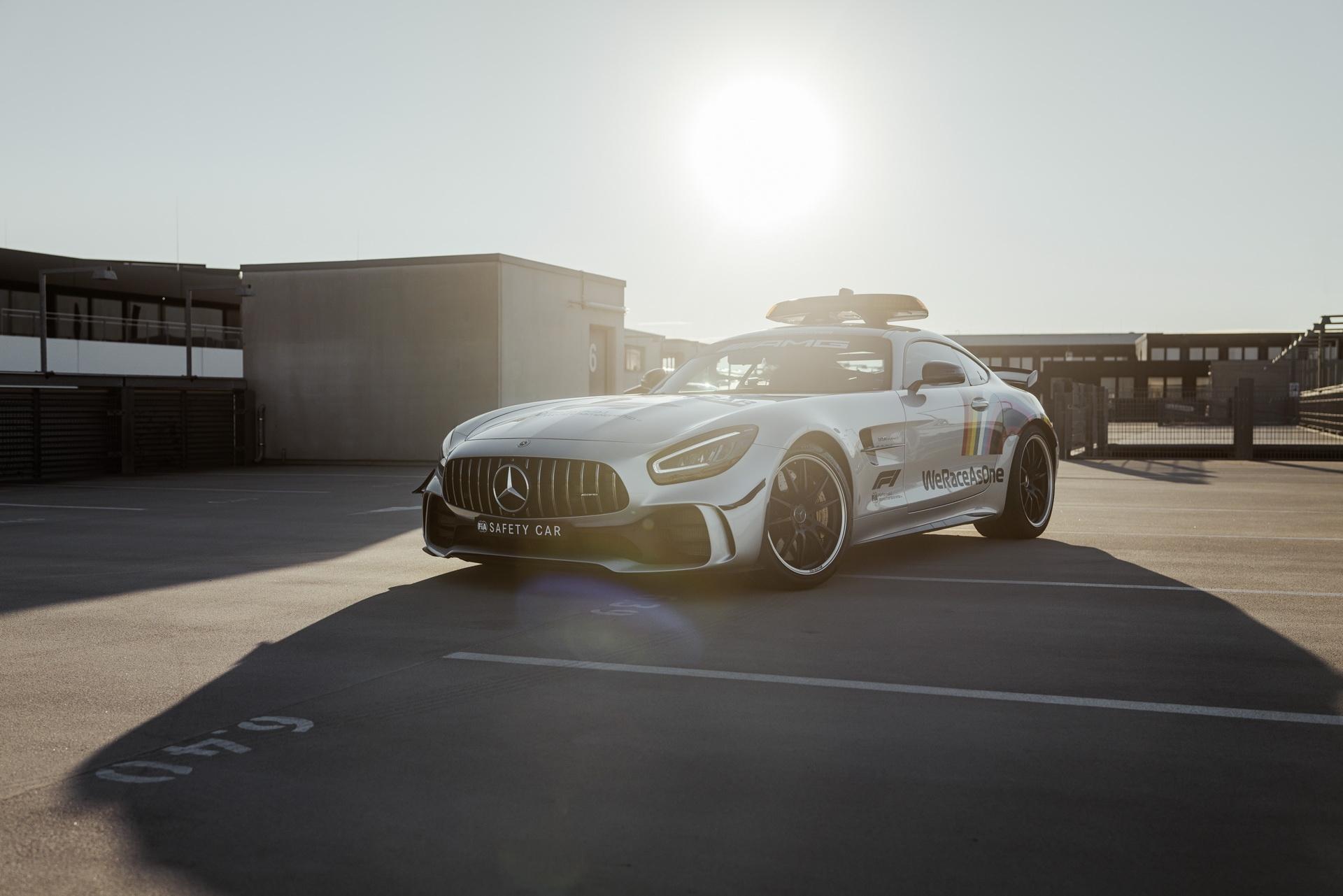 Mercedes-AMG GT R safety car F1 nuova livrea