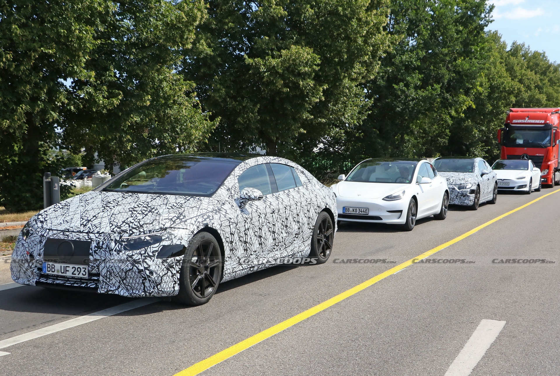 Mercedes EQS Tesla foto spia