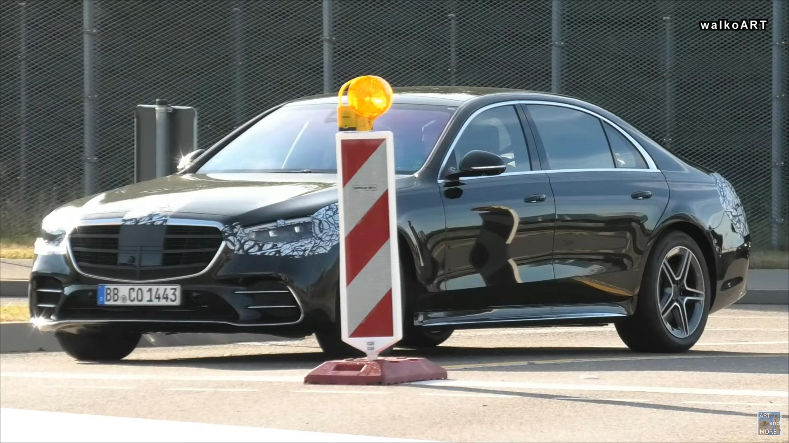 Mercedes Classe S 2021 maniglie standard foto spia