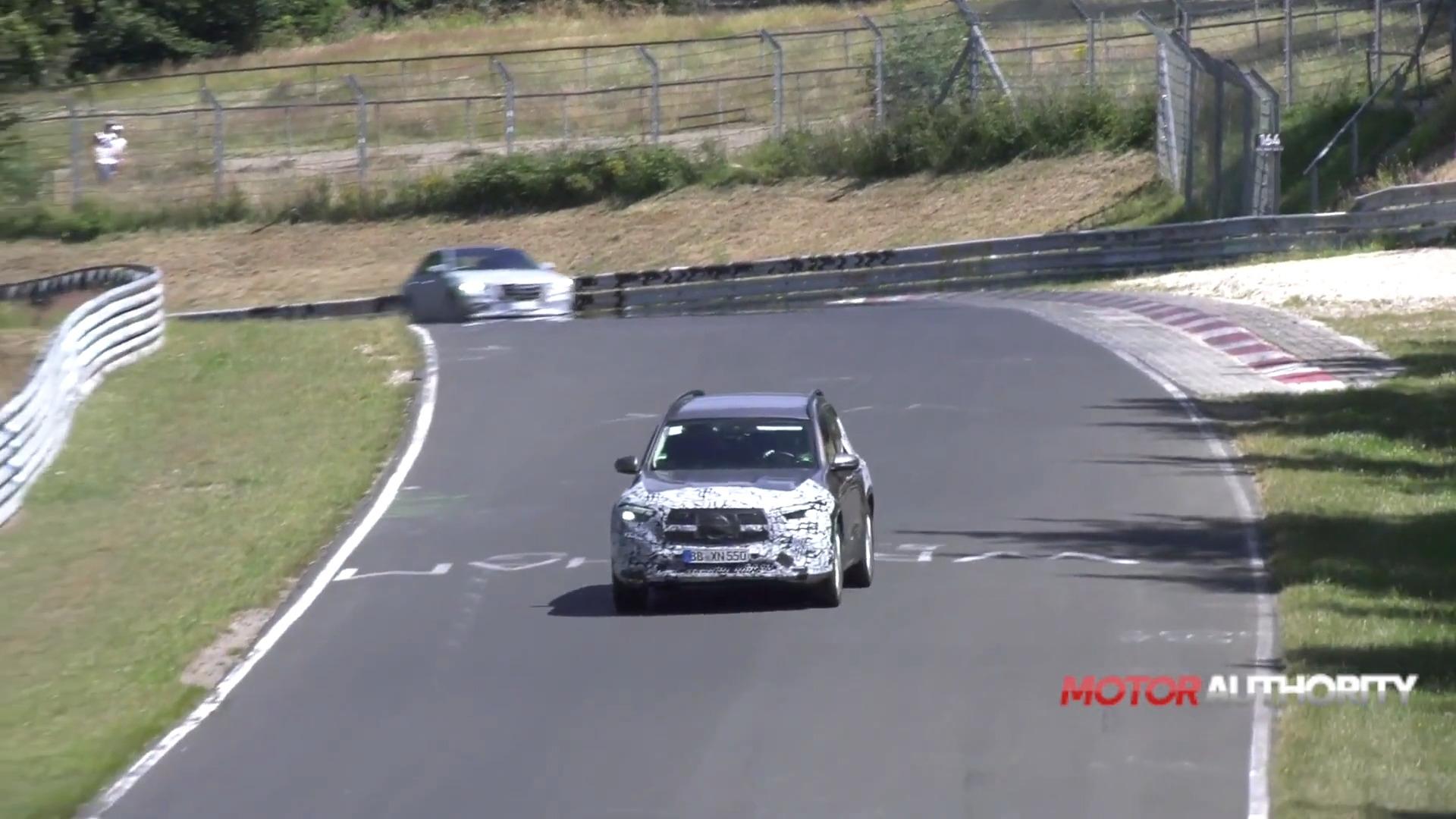 Mercedes EQB foto spia