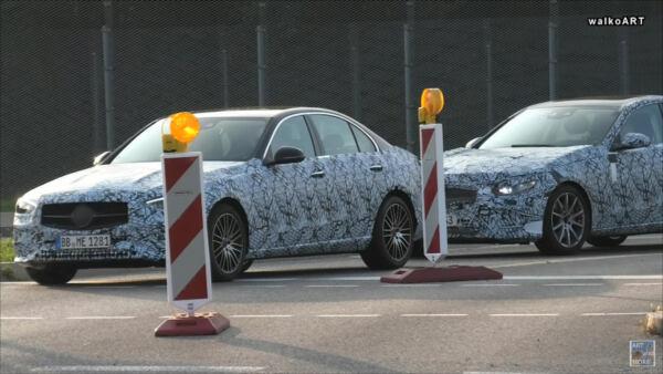 Mercedes Classe C 2022 berlina foto spia