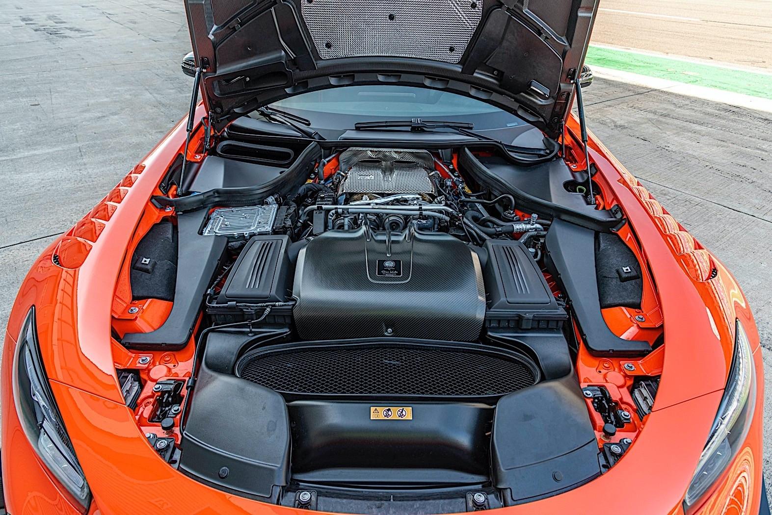 Mercedes-AMG GT Black Series foto pista
