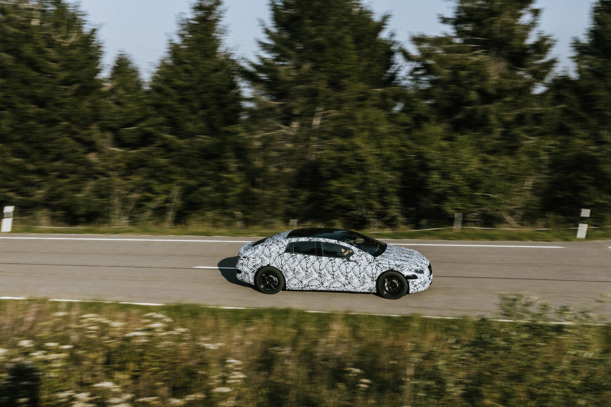 Mercedes EQ suoni di guida interni