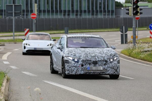 Mercedes EQS nuovo prototipo foto spia