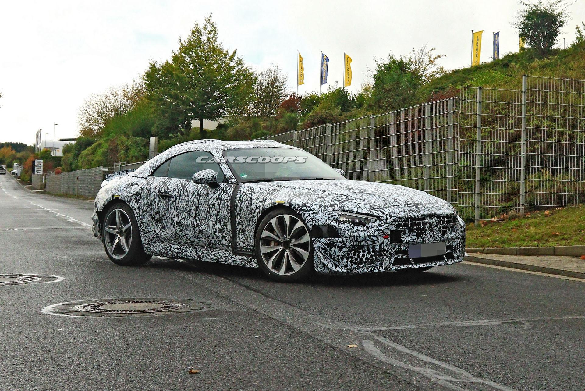 Nuova Mercedes-AMG SL foto spia