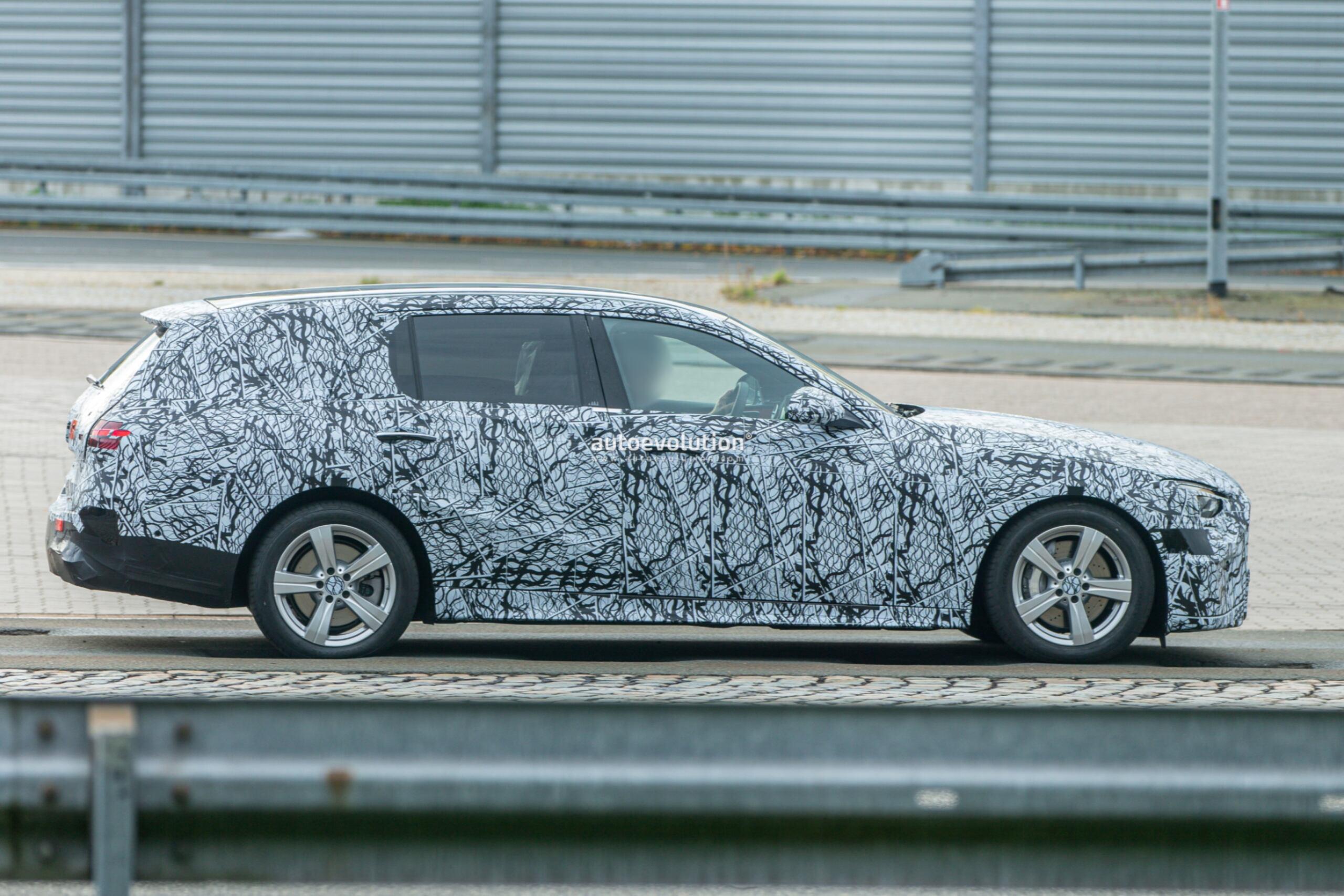 Mercedes Classe C Wagon 2022 foto spia