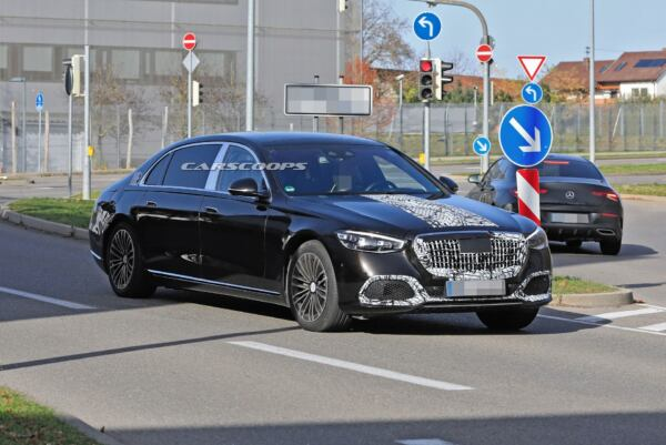 Mercedes-Maybach Classe S 2021 foto spia