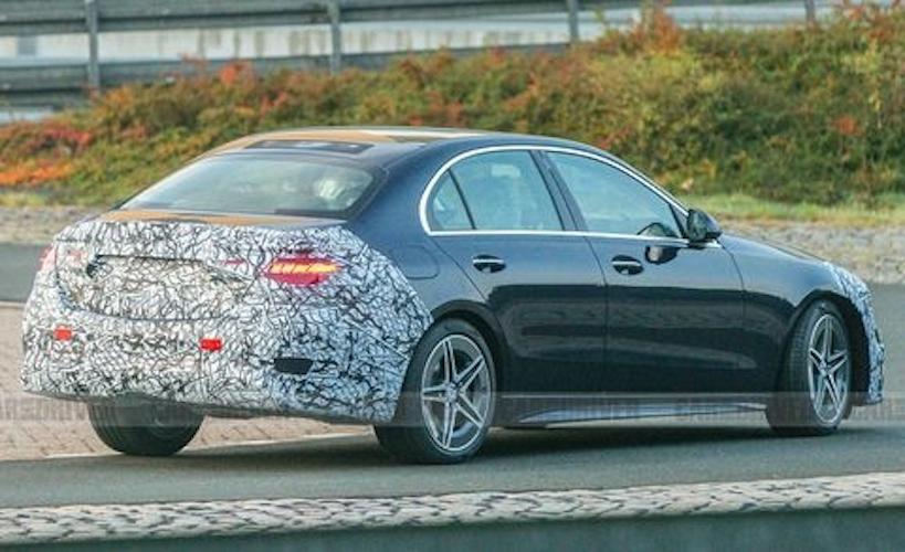 Nuova Mercedes Classe C foto spia