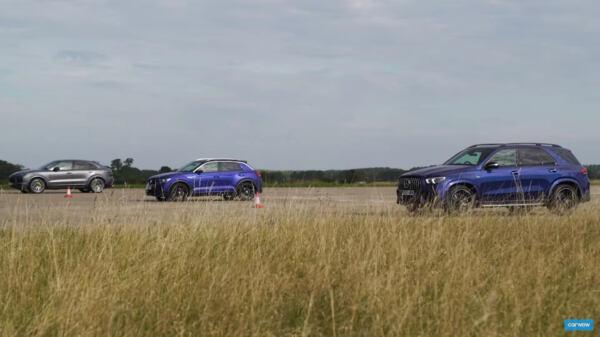 Mercedes-AMG GLE 53 vs Porsche Cayenne Coupé vs Volkswagen T-Roc R drag race