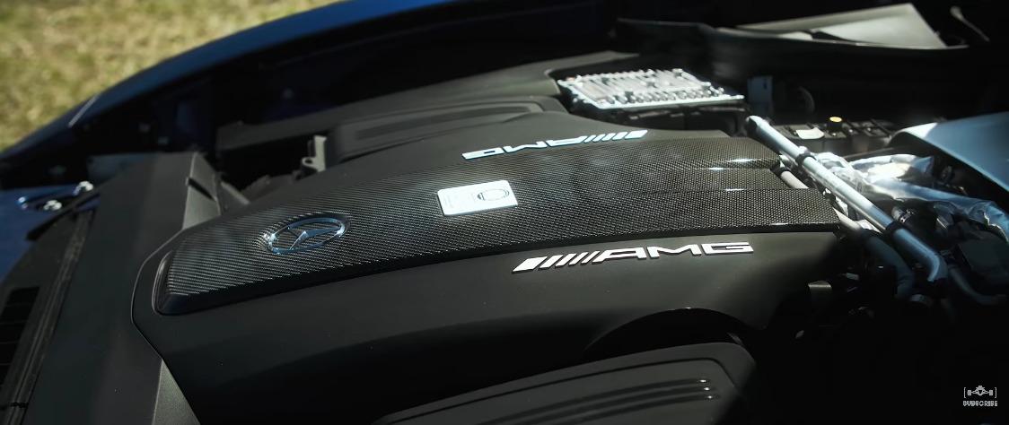 Mercedes-AMG GT R vs BMW X3 M Competition drag race