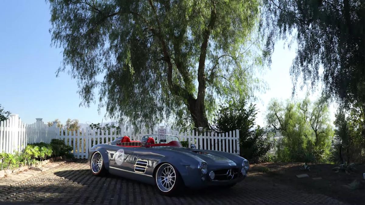 Mercedes-Benz 300 SL widebody motore AMG