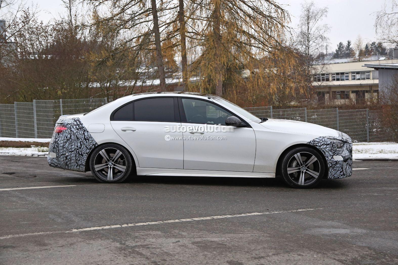 Mercedes Classe C 2022 foto spia ultimo prototipo