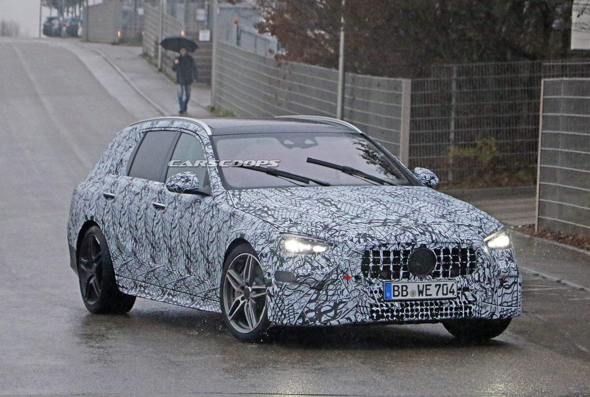 Nuova Mercedes-AMG Classe C Wagon foto spia