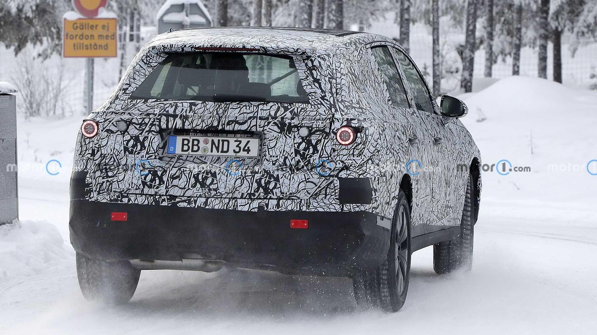 Nuovo Mercedes GLC foto spia neve