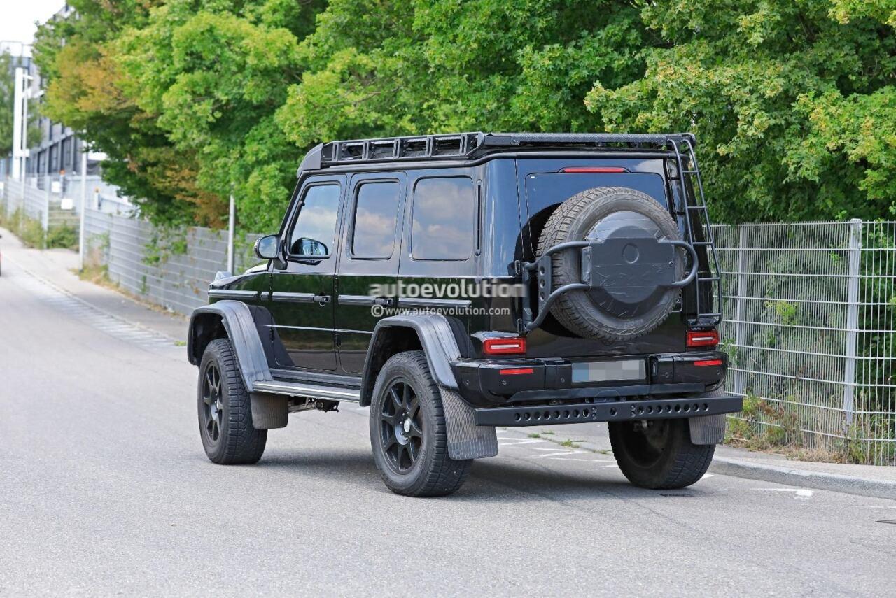 Mercedes-Benz G500 4x4² assali a portale foto spia
