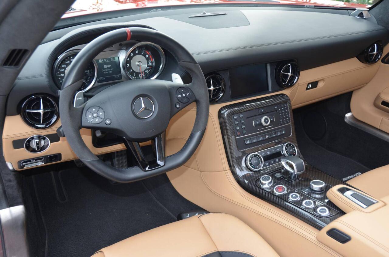 Mercedes-Benz SLS AMG Roadster 2013