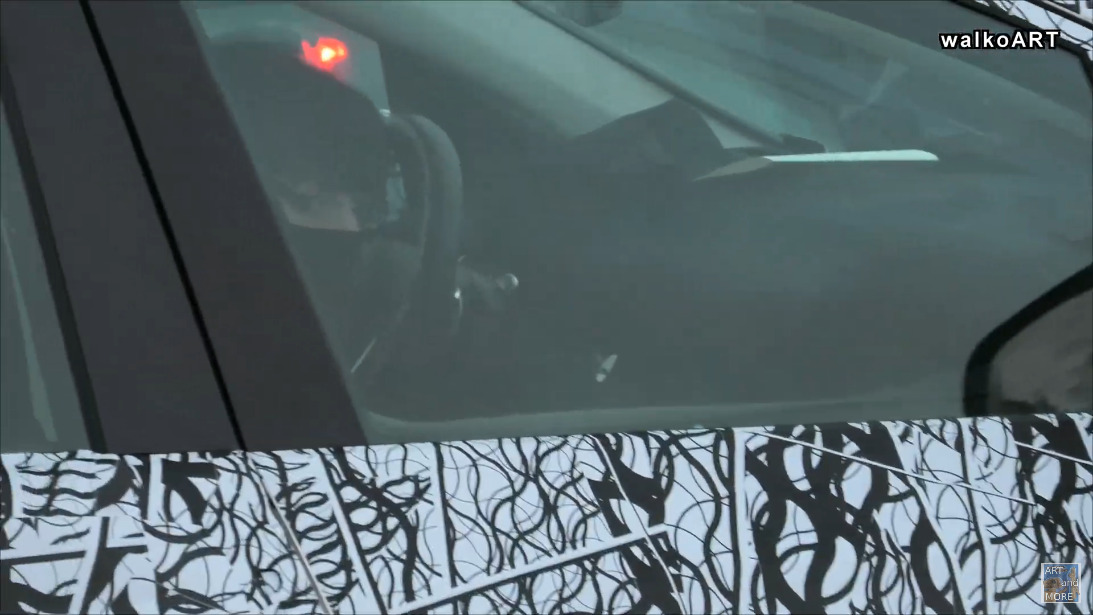 Mercedes EQS SUV prototipo foto spia