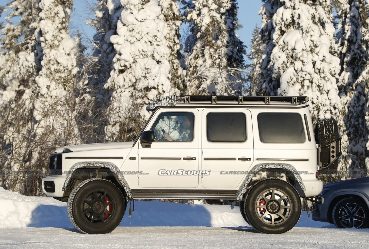 Nuovo Mercedes-Benz G500 4×4² foto spia neve