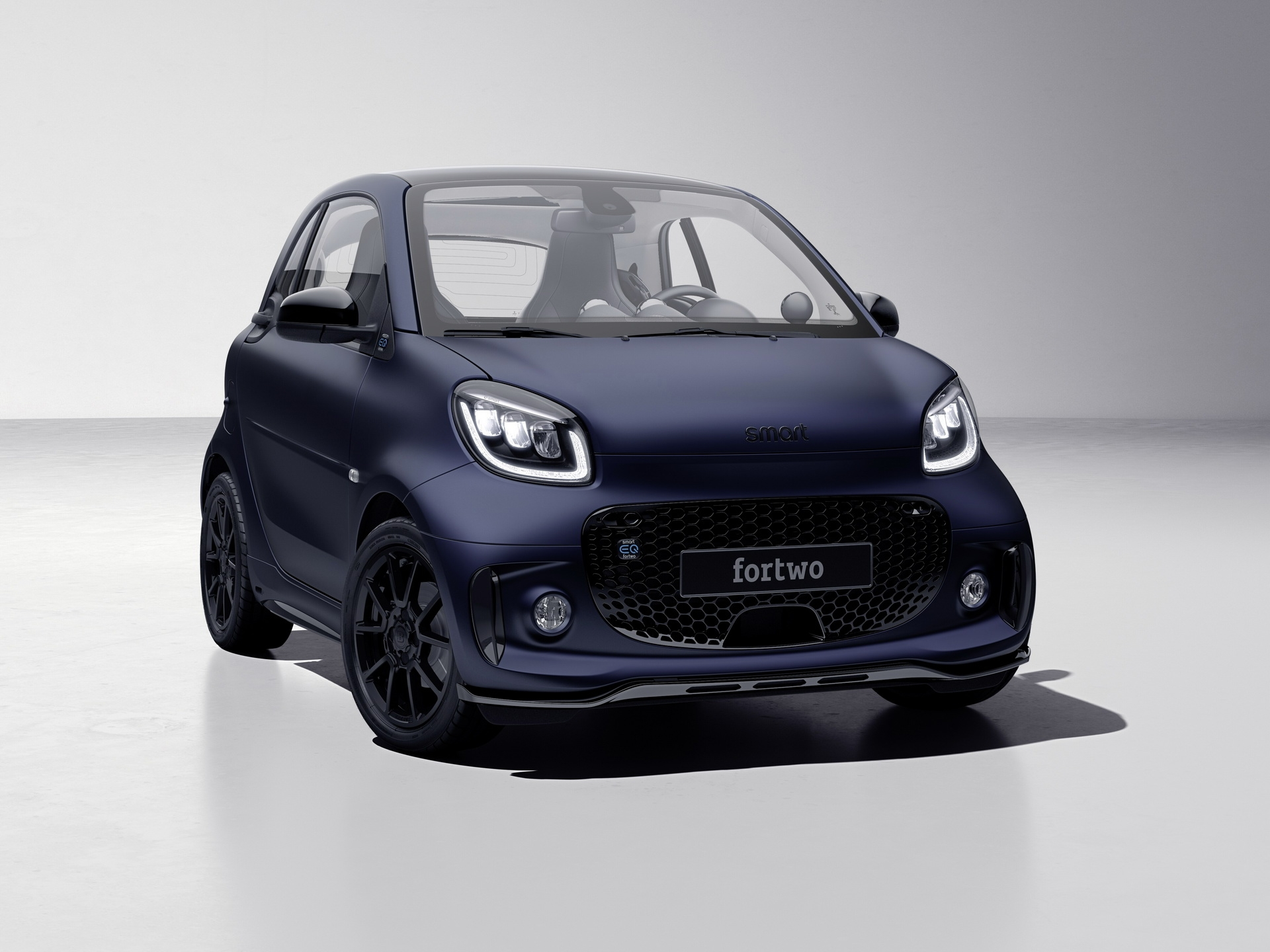 Smart EQ fortwo edition bluedawn city car