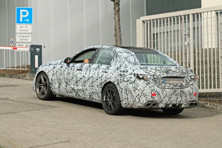 Mercedes-AMG C 63 ultimo prototipo foto spia