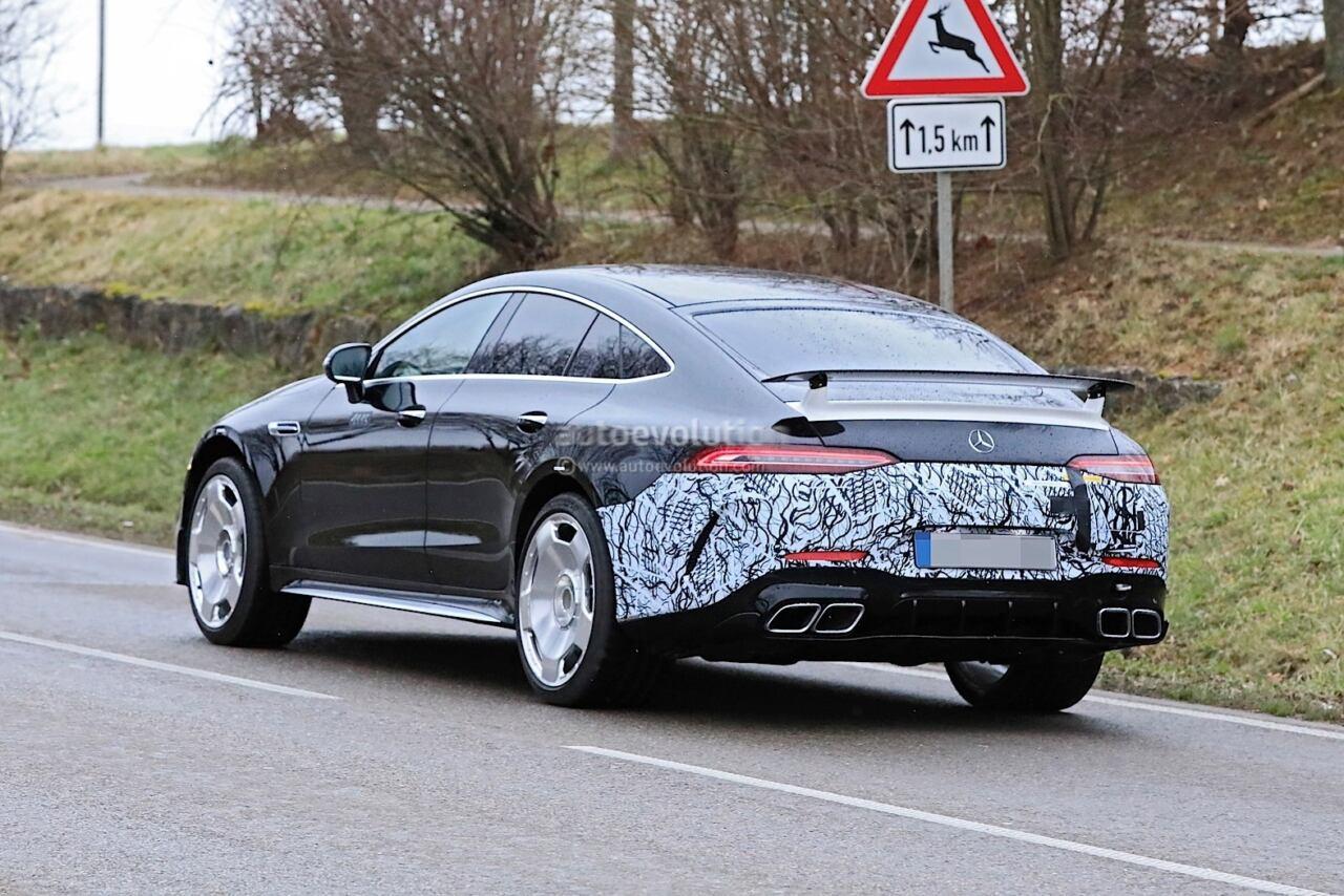 Mercedes-AMG GT 73 e foto spia nuovi prototipi