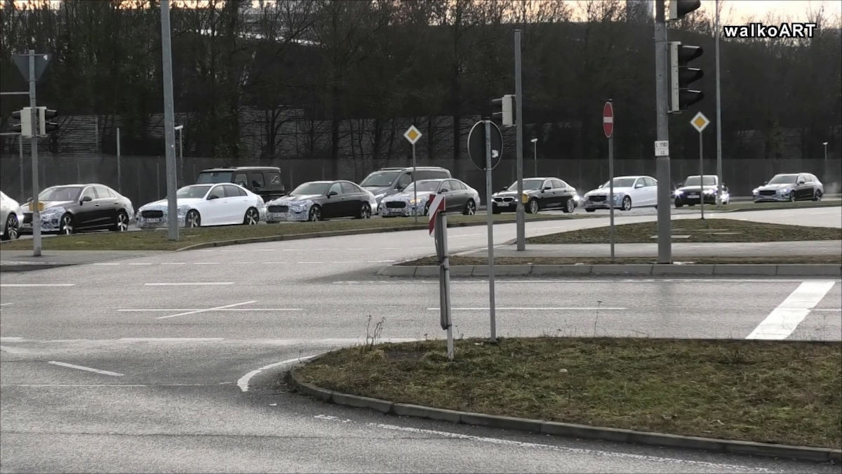 Mercedes Classe C 2022 convoglio prototipi foto spia