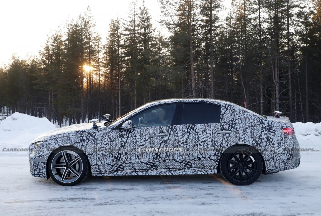 Nuova Mercedes-AMG C 63 foto spia neve