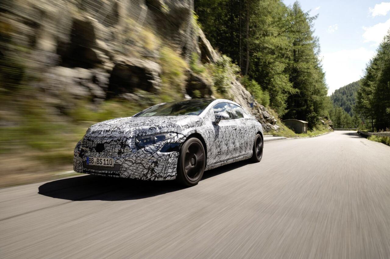 Nuova Mercedes EQS scende in pista