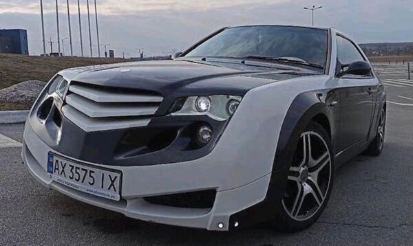 Mercedes W124 strano esemplare