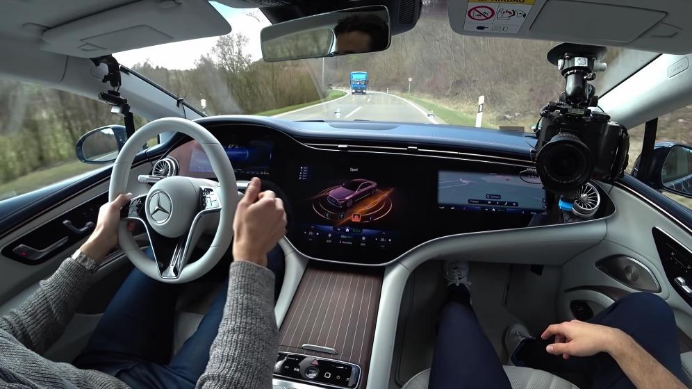 Mercedes EQS interni