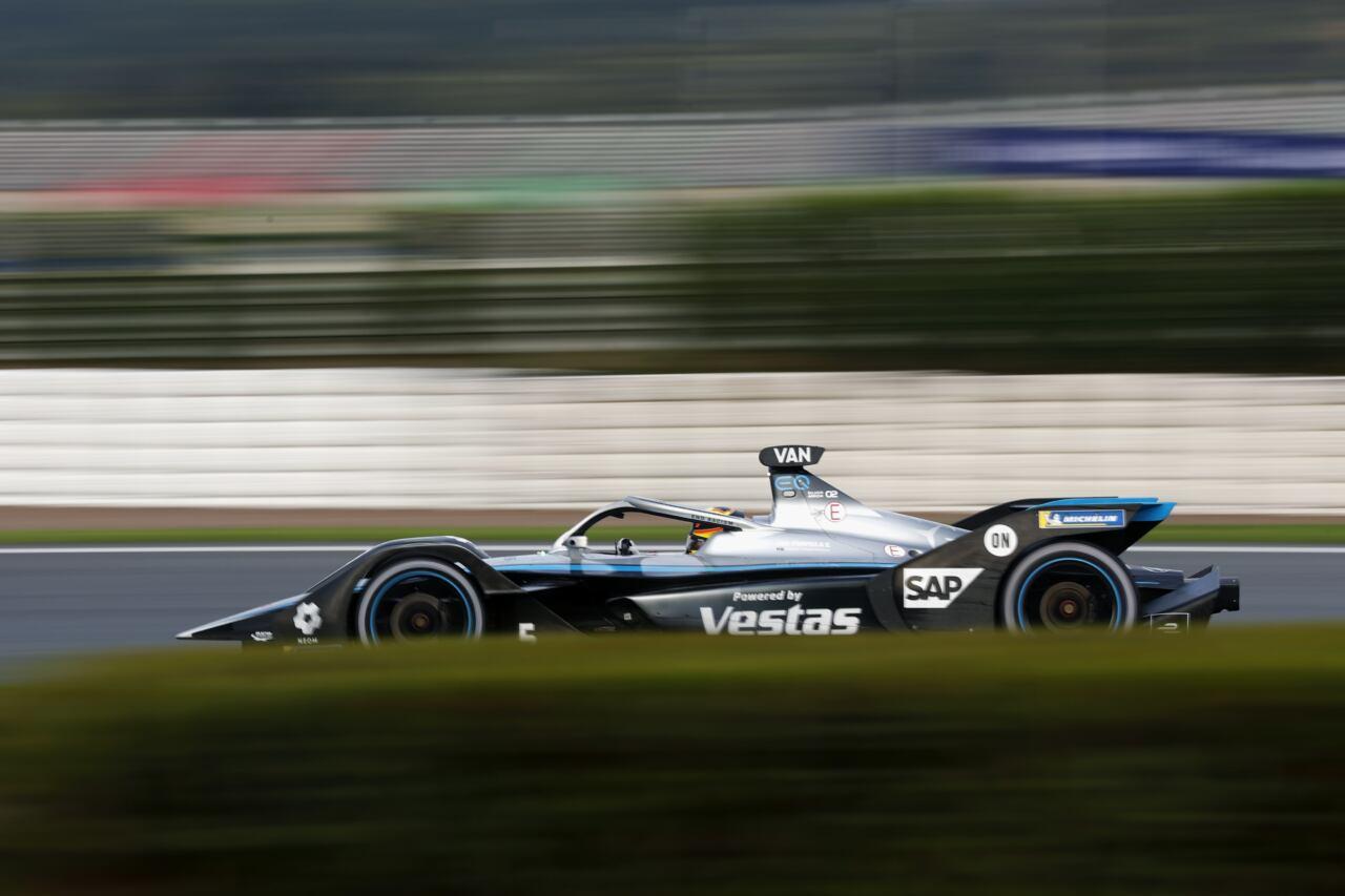 Mercedes secondo E-Prix Valencia