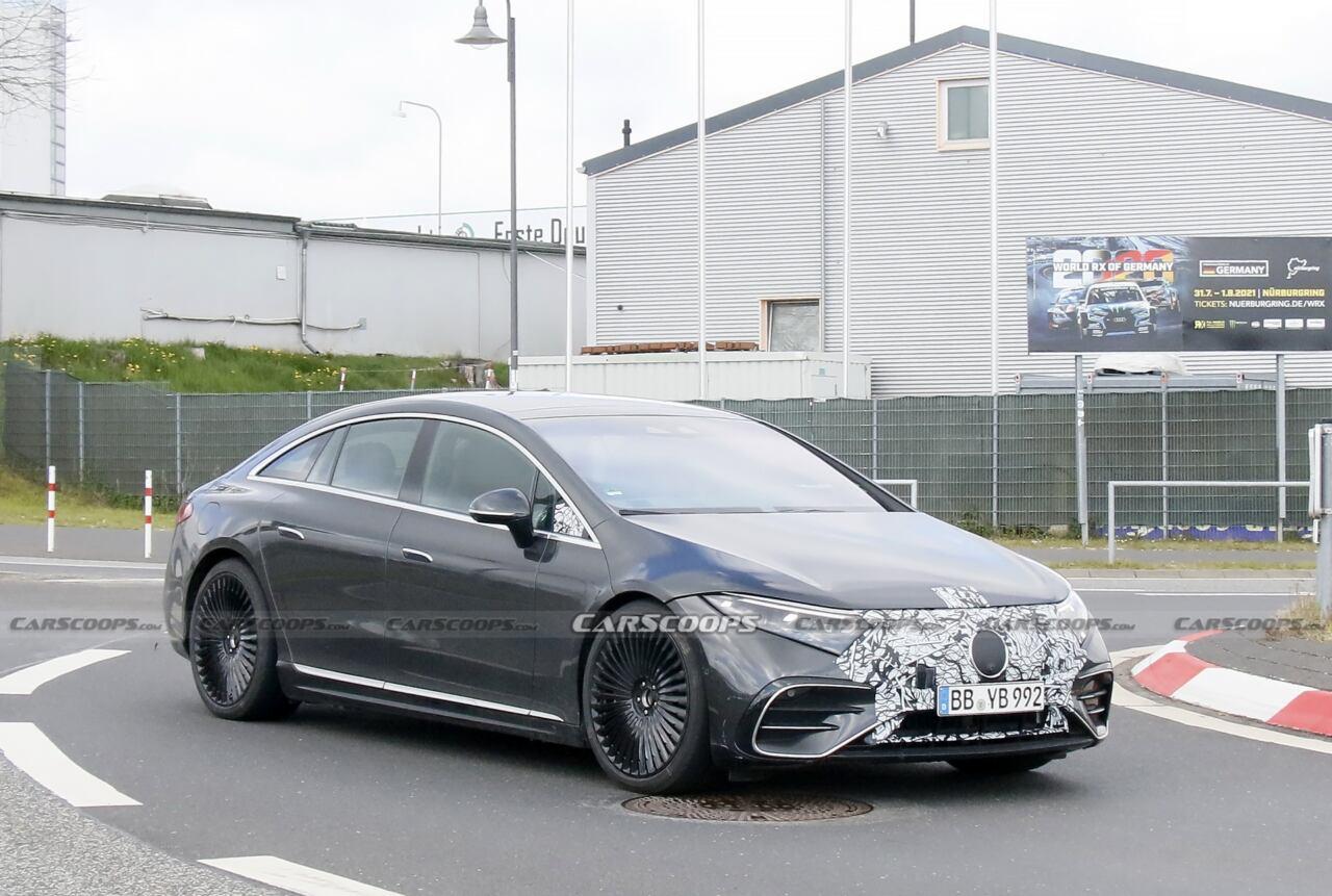 Mercedes-AMG EQS foto spia strada