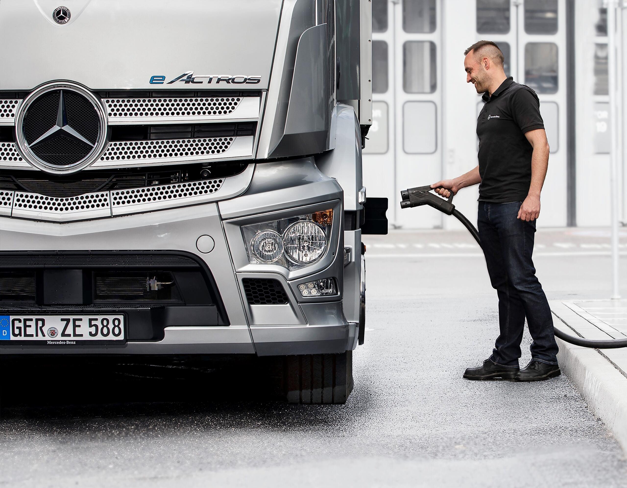 Mercedes-Benz Trucks infrastrutture ricarica