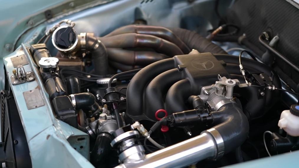 Mercedes-Benz W110 1965 motore BMW