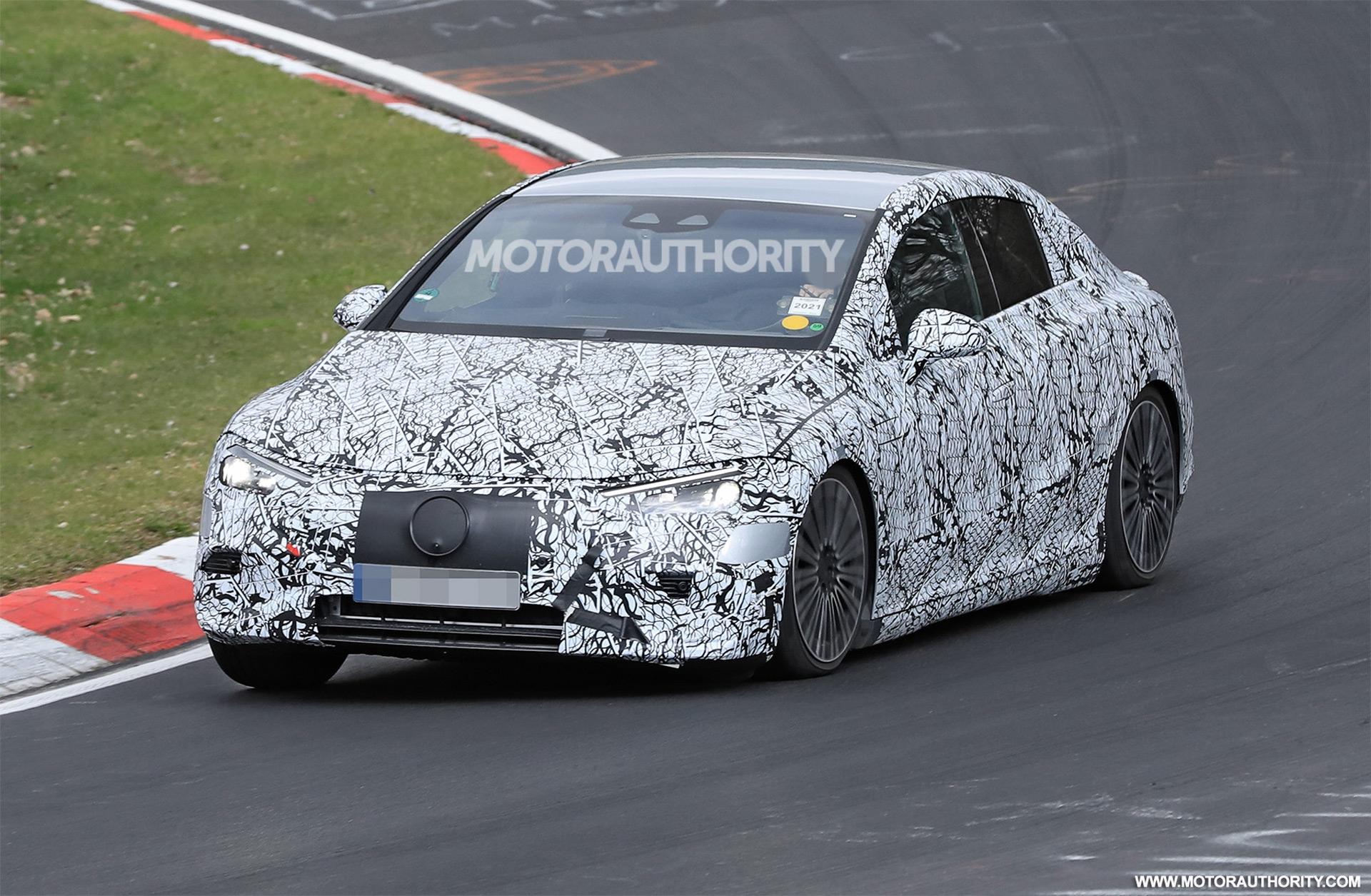 Mercedes EQE ultimo prototipo foto spia