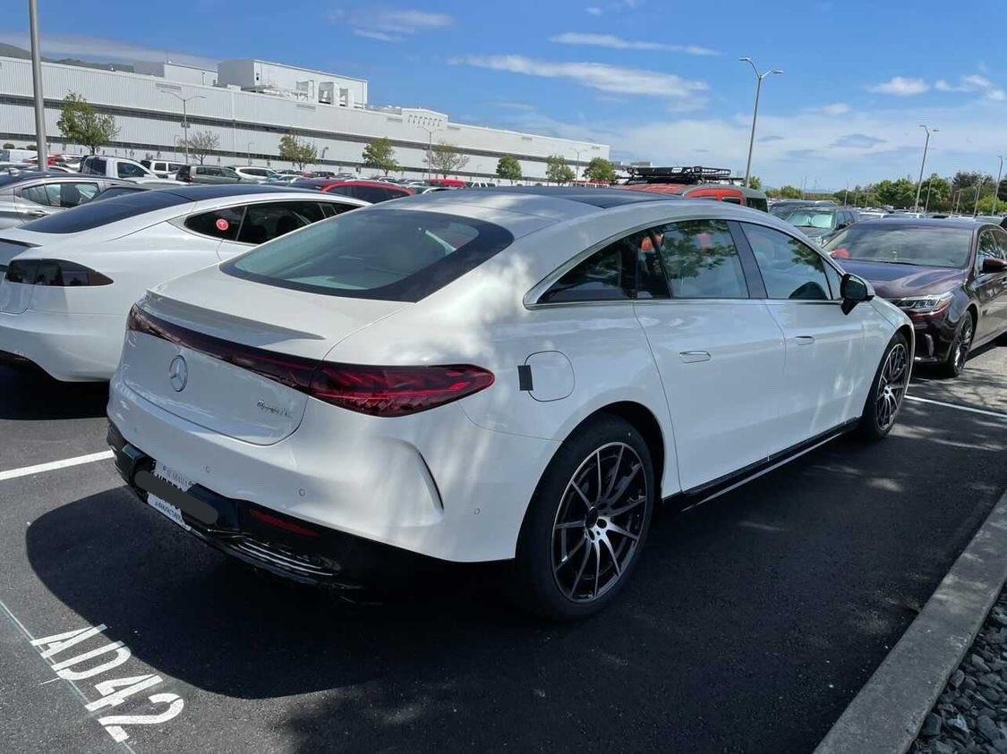 Mercedes EQS stabilimento Tesla Fremont