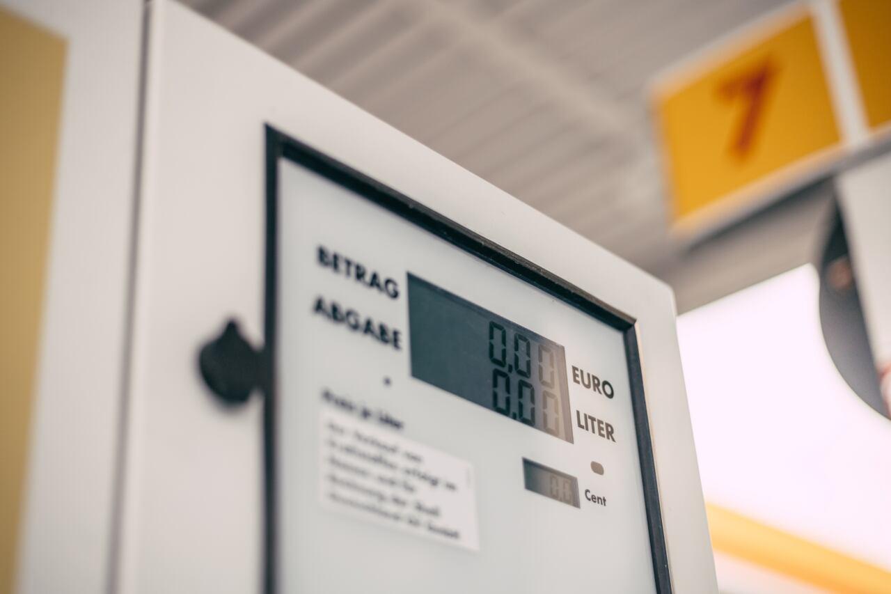 Mercedes Shell pagamenti digitali carburante