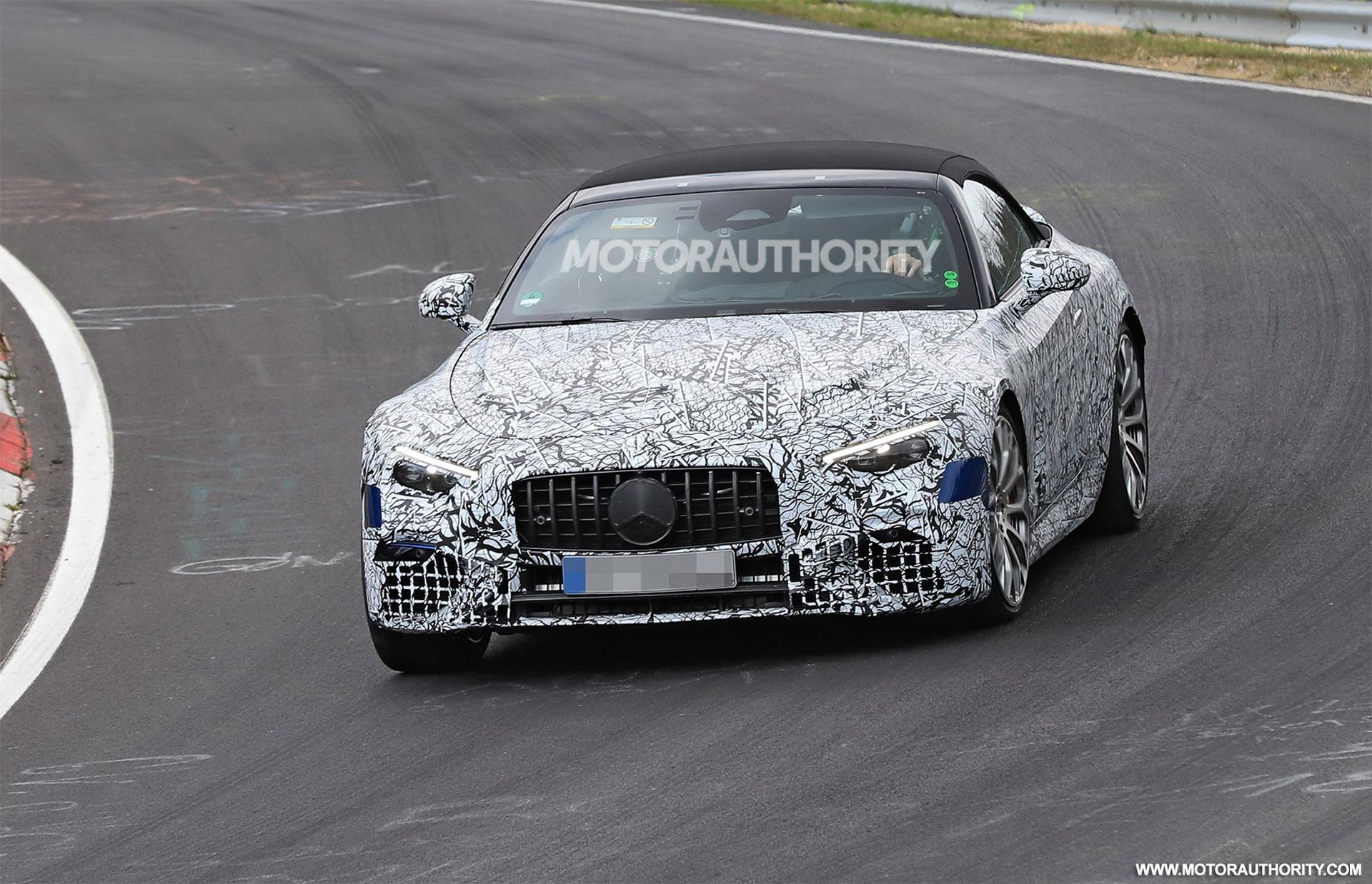 Nuova Mercedes-AMG SL Nurburgring foto spia