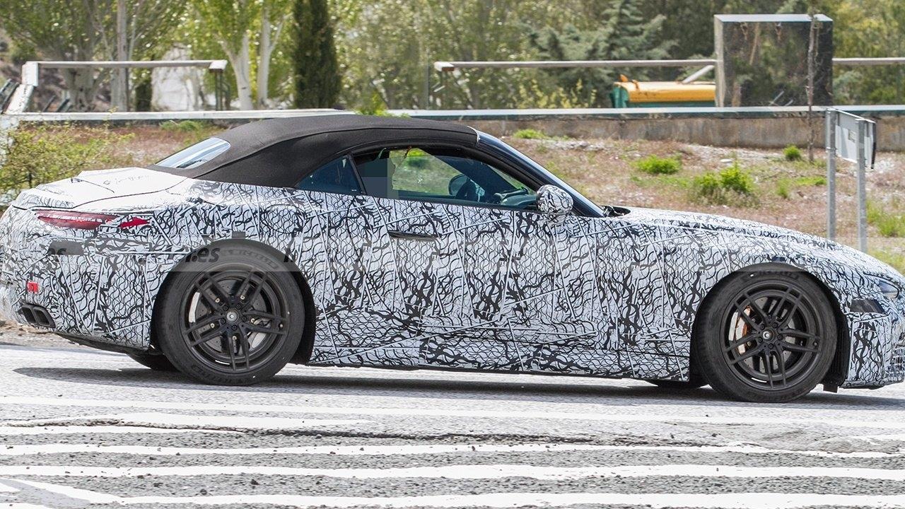 Nuova Mercedes-AMG SL test Europa meridionale foto spia