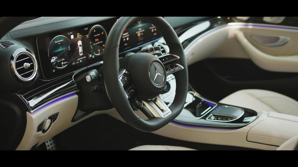 Mercedes-AMG E 63 S 2021 vs E 63 AMG 2010